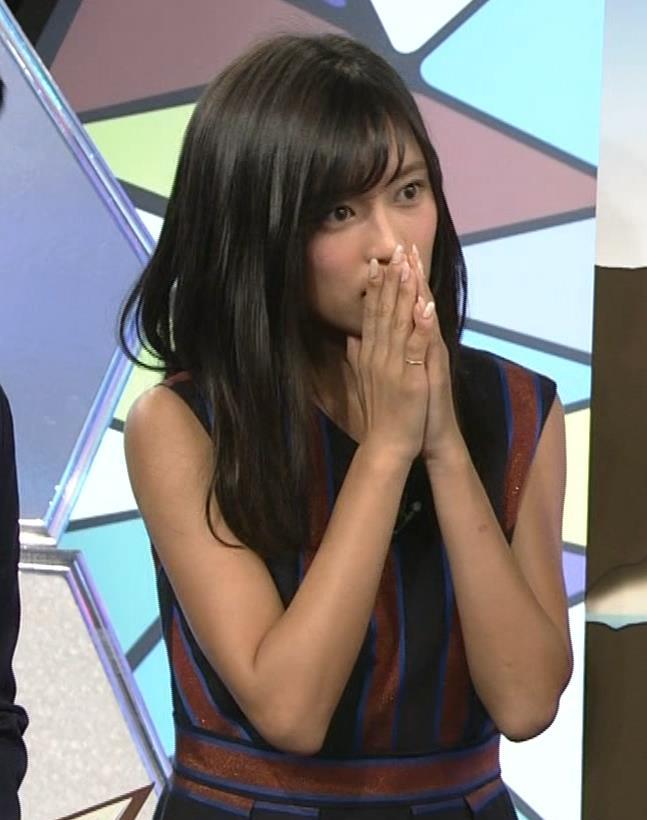 小島瑠璃子 ノースリーブ横乳キャプ・エロ画像10