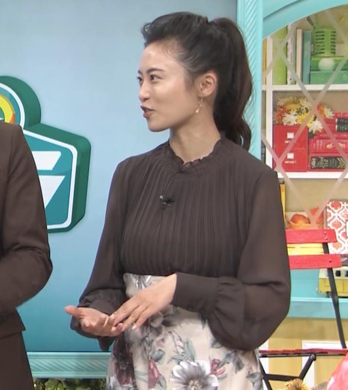 小島瑠璃子 乳を横からキャプ・エロ画像2