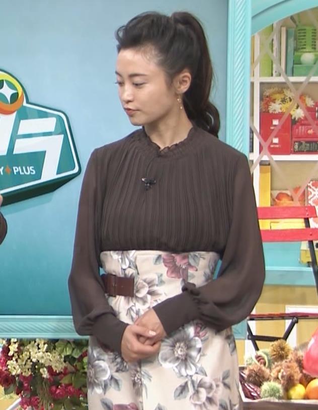 小島瑠璃子 乳を横からキャプ・エロ画像5