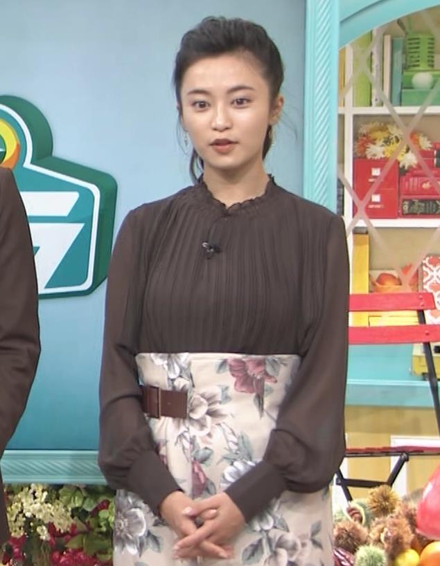 小島瑠璃子 乳を横からキャプ・エロ画像7