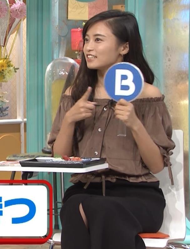 小島瑠璃子 肩出し衣装キャプ・エロ画像6