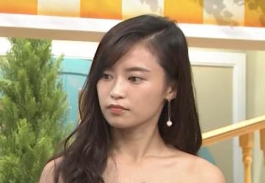 小島瑠璃子 肩出し衣装キャプ画像(エロ・アイコラ画像)