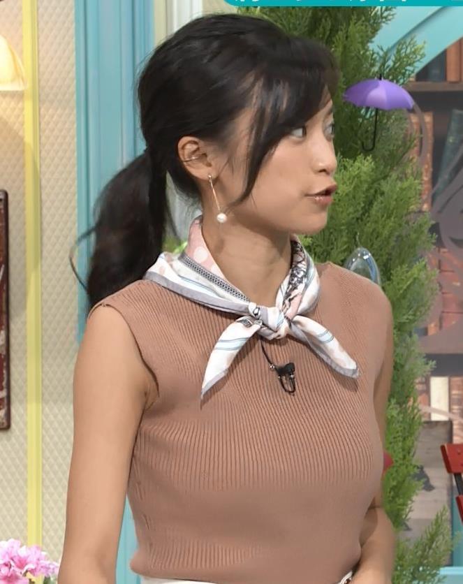 小島瑠璃子 裸に見えるような色のノースリーブで激しくおっぱいをアピールキャプ・エロ画像5