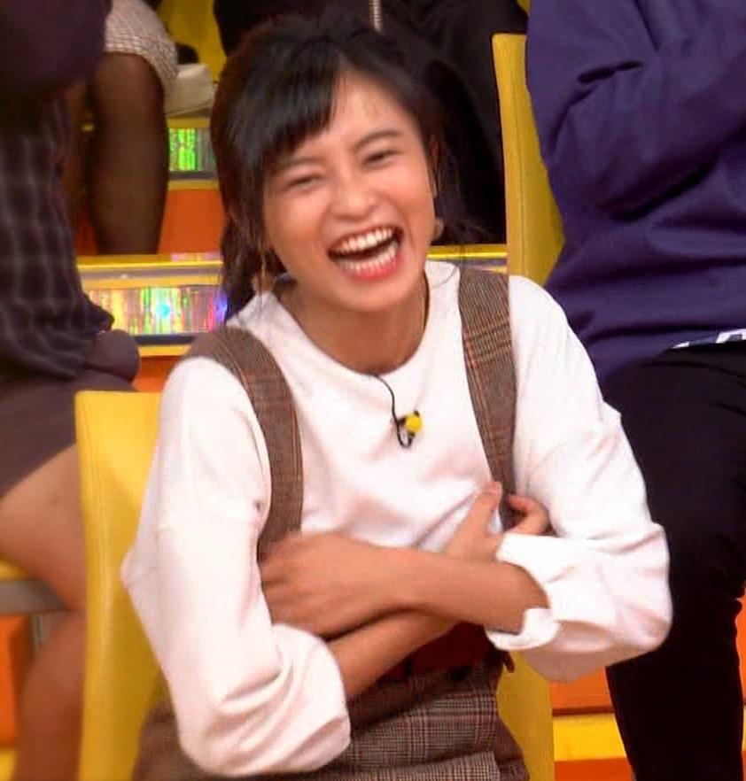 小島瑠璃子 着衣横乳キャプ・エロ画像2