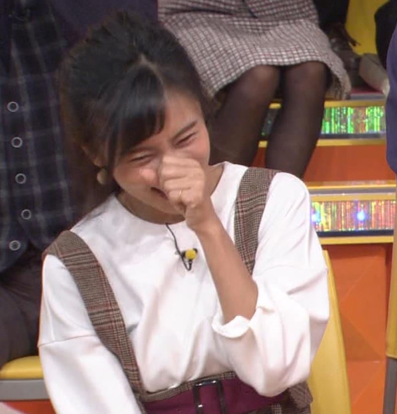 小島瑠璃子 着衣横乳キャプ・エロ画像10