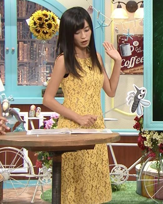 小島瑠璃子 体のラインがエロいワンピースキャプ・エロ画像2