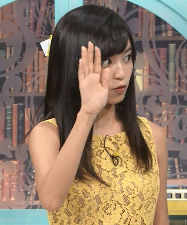 小島瑠璃子 体のラインがエロいワンピースキャプ・エロ画像4