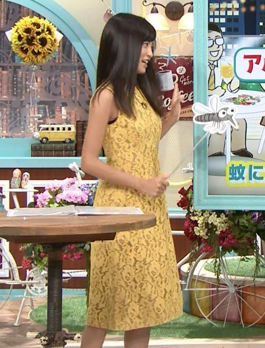 小島瑠璃子 体のラインがエロいワンピースキャプ・エロ画像10