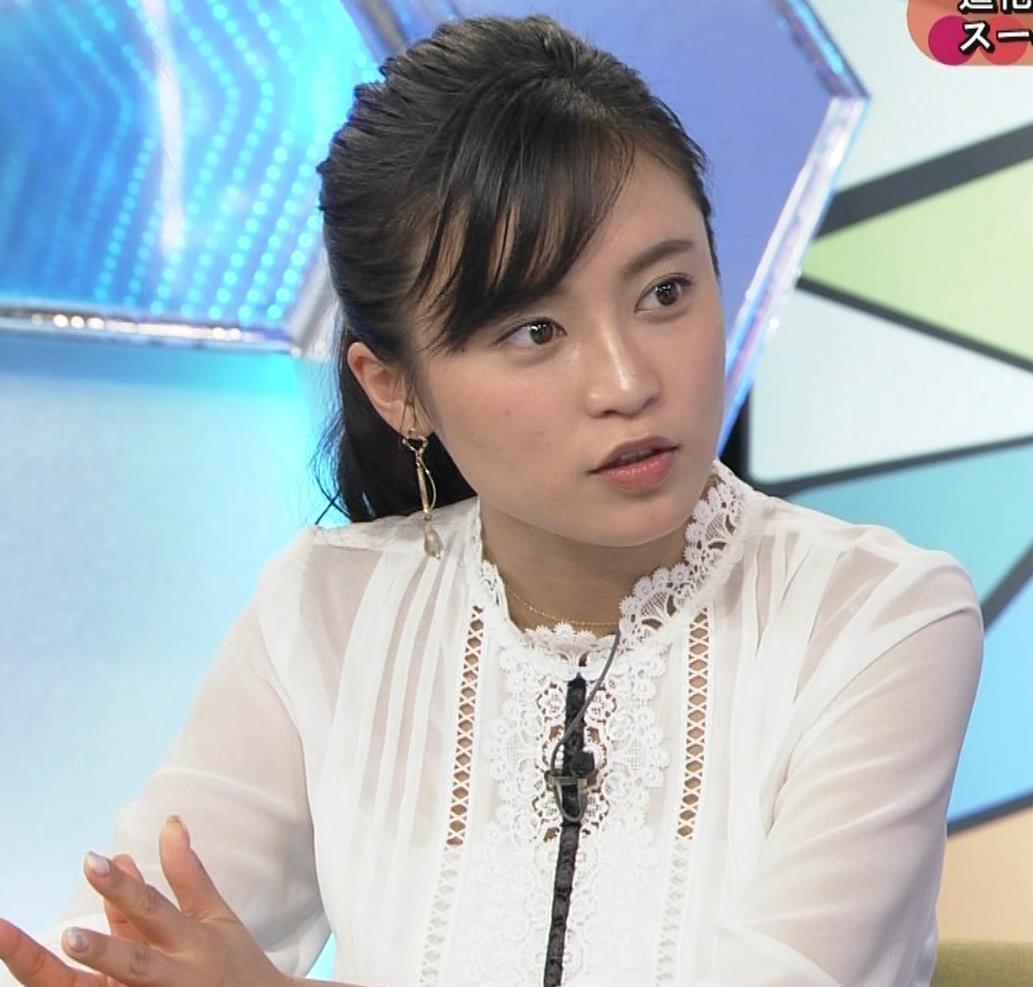 小島瑠璃子 お乳を机に乗せるキャプ・エロ画像8