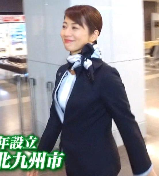 久保田直子アナ 各社CA制服試着。赤いのが特にエロいキャプ・エロ画像4