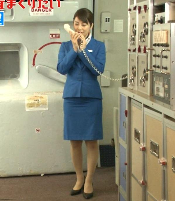 久保田直子アナ 各社CA制服試着。赤いのが特にエロいキャプ・エロ画像6