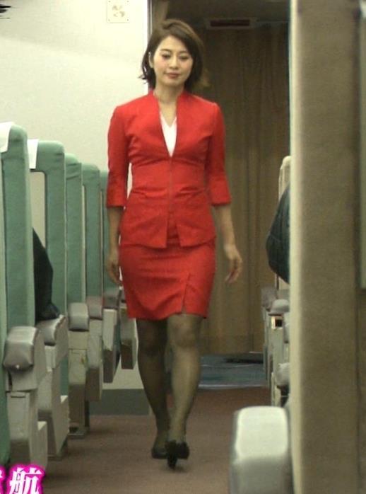 久保田直子アナ 各社CA制服試着。赤いのが特にエロいキャプ・エロ画像10
