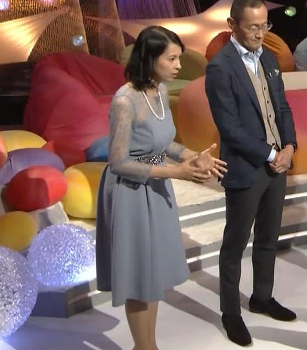 久保田祐佳アナ 巨乳でパンパンになった乳袋キャプ・エロ画像11