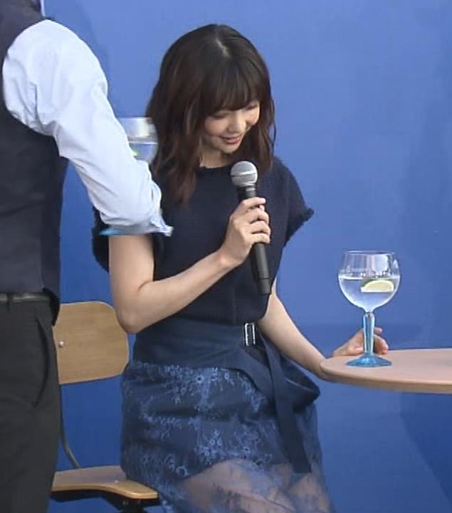 倉科カナ エロいスカートでイベントに出演キャプ・エロ画像3