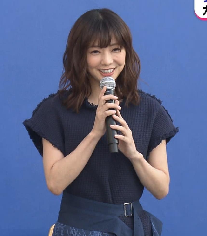 倉科カナ エロいスカートでイベントに出演キャプ・エロ画像5