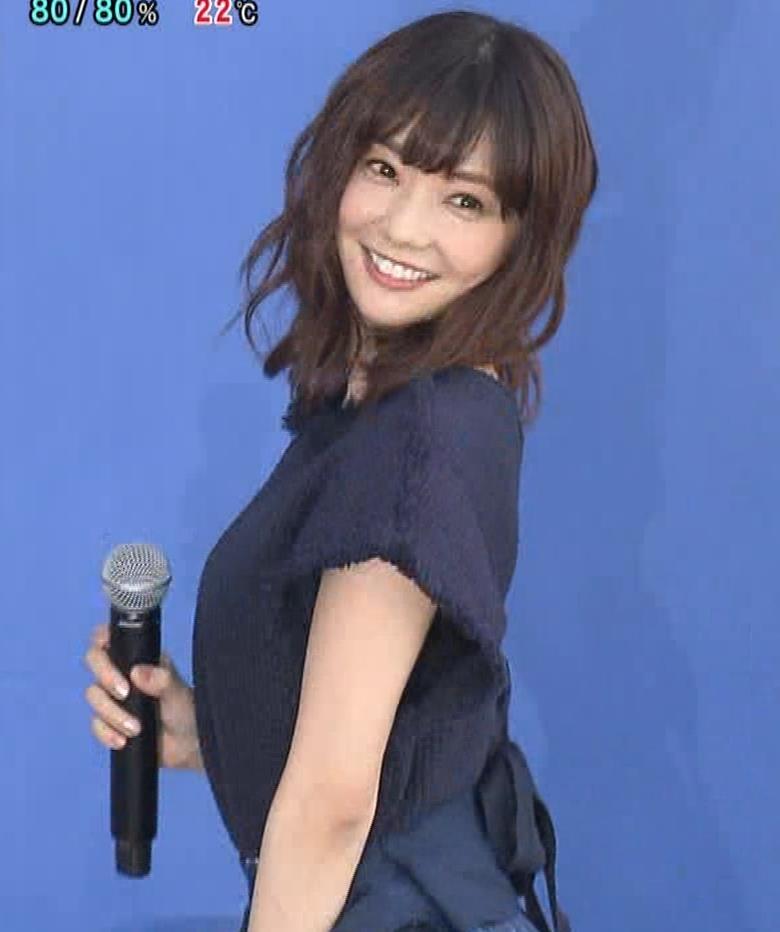 倉科カナ エロいスカートでイベントに出演キャプ・エロ画像10