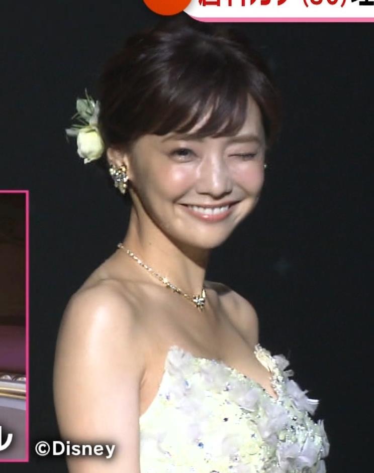倉科カナ ウェディングドレスでおっぱいチラリキャプ・エロ画像12