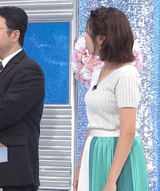 黒木千晶アナ ニットおっぱいキャプ・エロ画像3