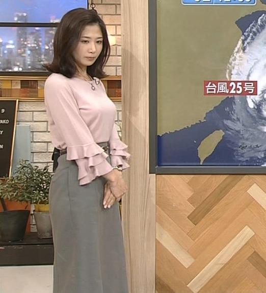 桑子真帆アナ 乳がデカくて尖ってる!キャプ・エロ画像2