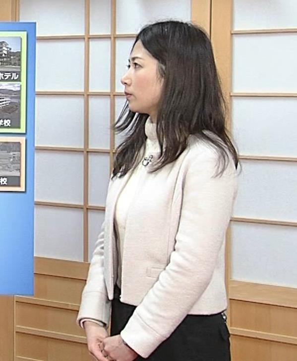 桑子真帆アナ ジャケットの下のニット巨乳キャプ・エロ画像16