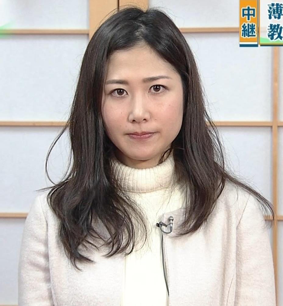 桑子真帆アナ ジャケットの下のニット巨乳キャプ・エロ画像17