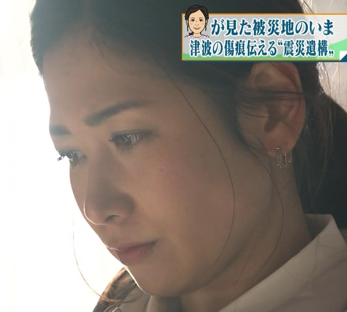 桑子真帆アナ ジャケットの下のニット巨乳キャプ・エロ画像4