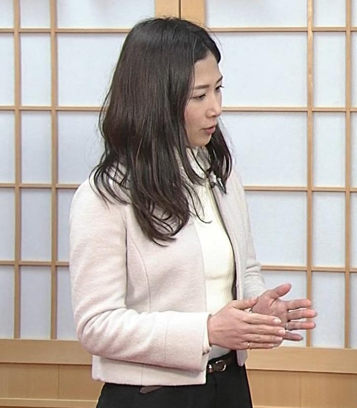 桑子真帆アナ ジャケットの下のニット巨乳キャプ・エロ画像7