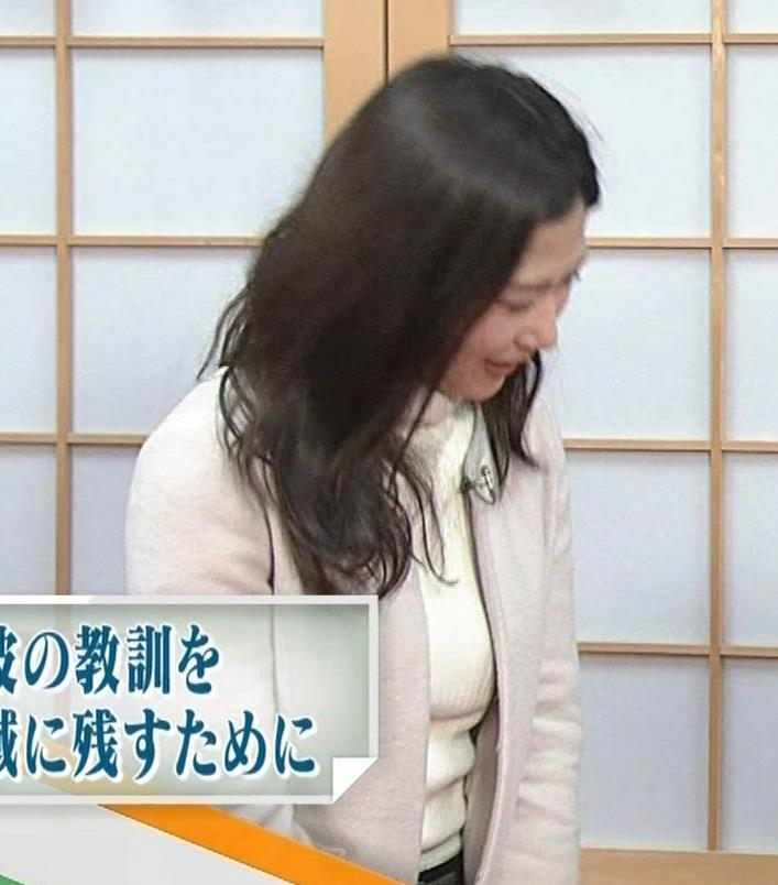 桑子真帆アナ ジャケットの下のニット巨乳キャプ・エロ画像9