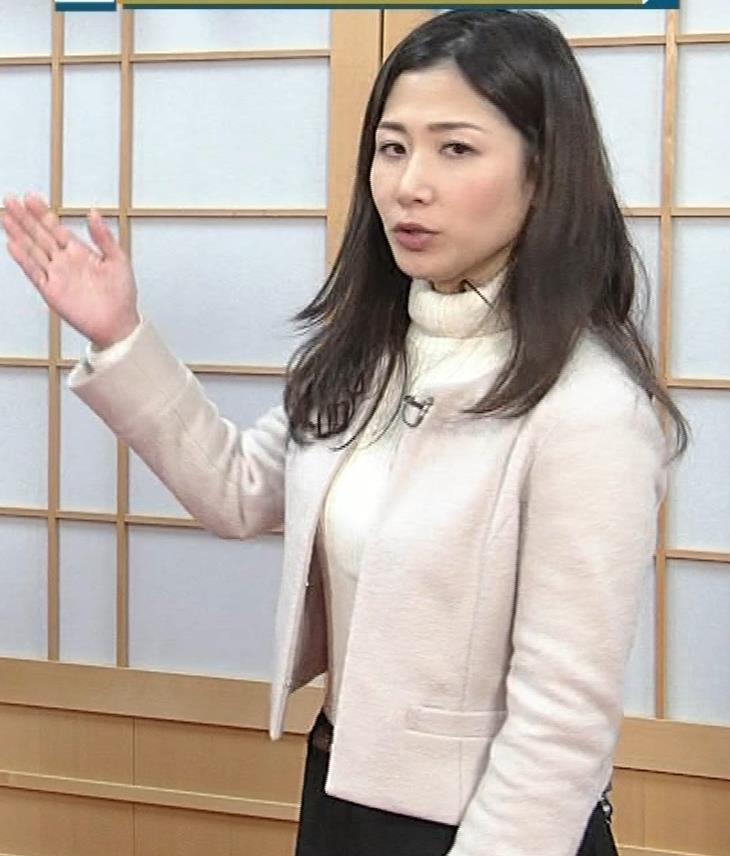 桑子真帆アナ ジャケットの下のニット巨乳キャプ・エロ画像10