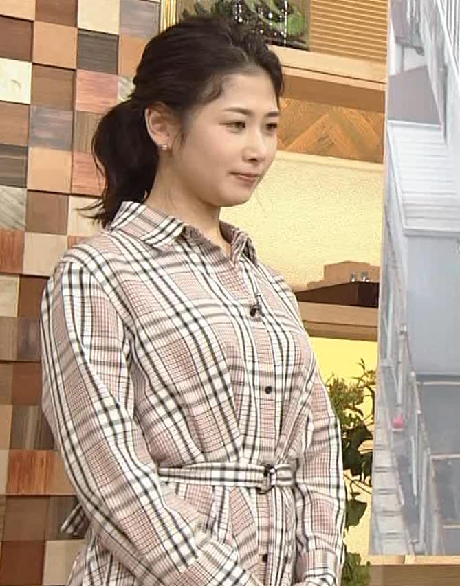 桑子真帆アナ 桑パイの横乳キャプ・エロ画像2