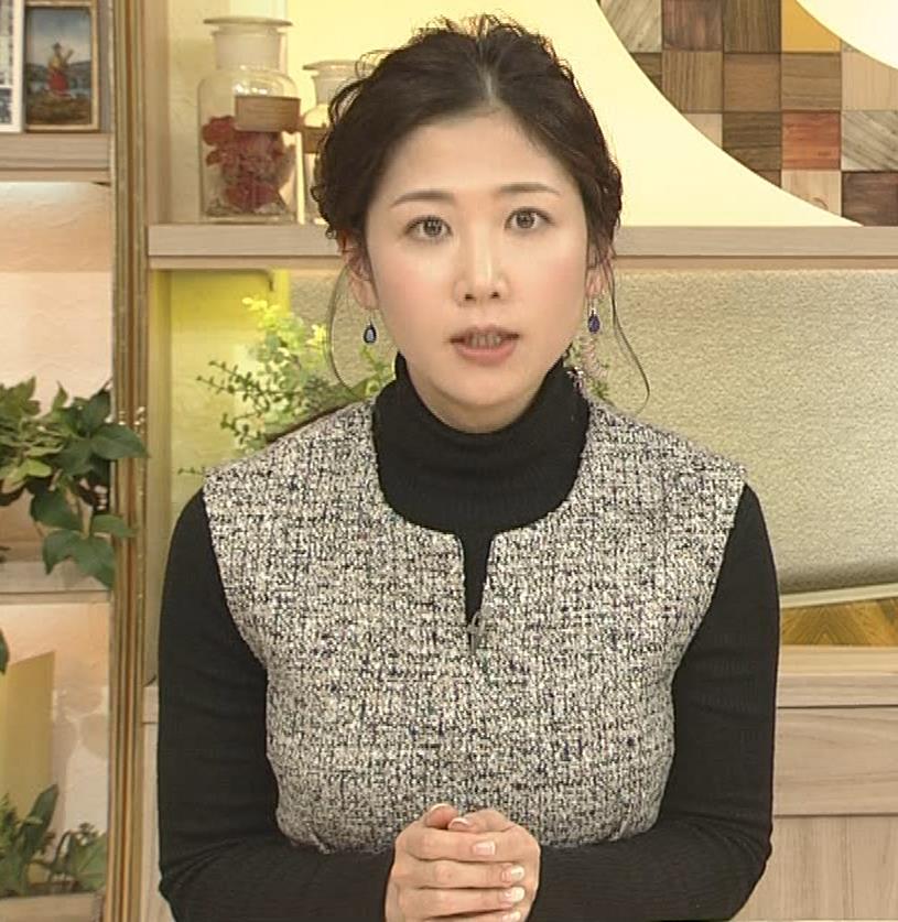 桑子真帆アナ 厚着でも胸の大きさがわかるキャプ・エロ画像