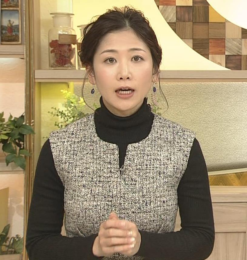 桑子真帆アナ 厚着でも胸の大きさがわかるキャプ・エロ画像2