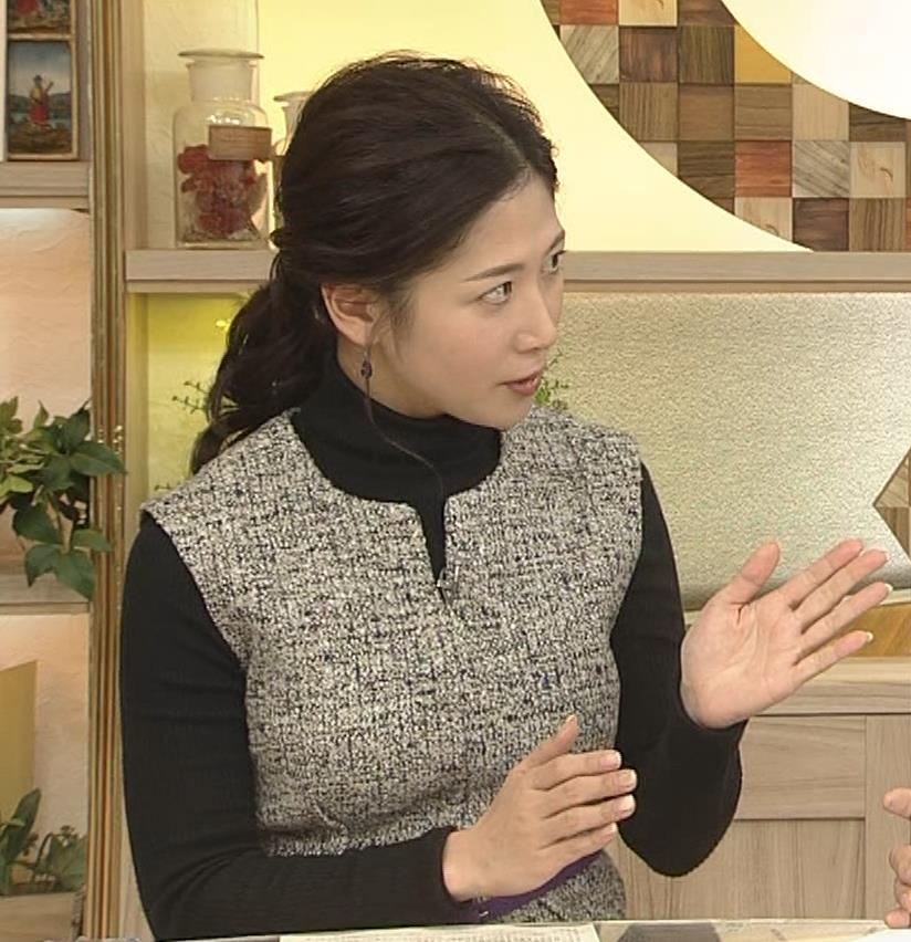 桑子真帆アナ 厚着でも胸の大きさがわかるキャプ・エロ画像3