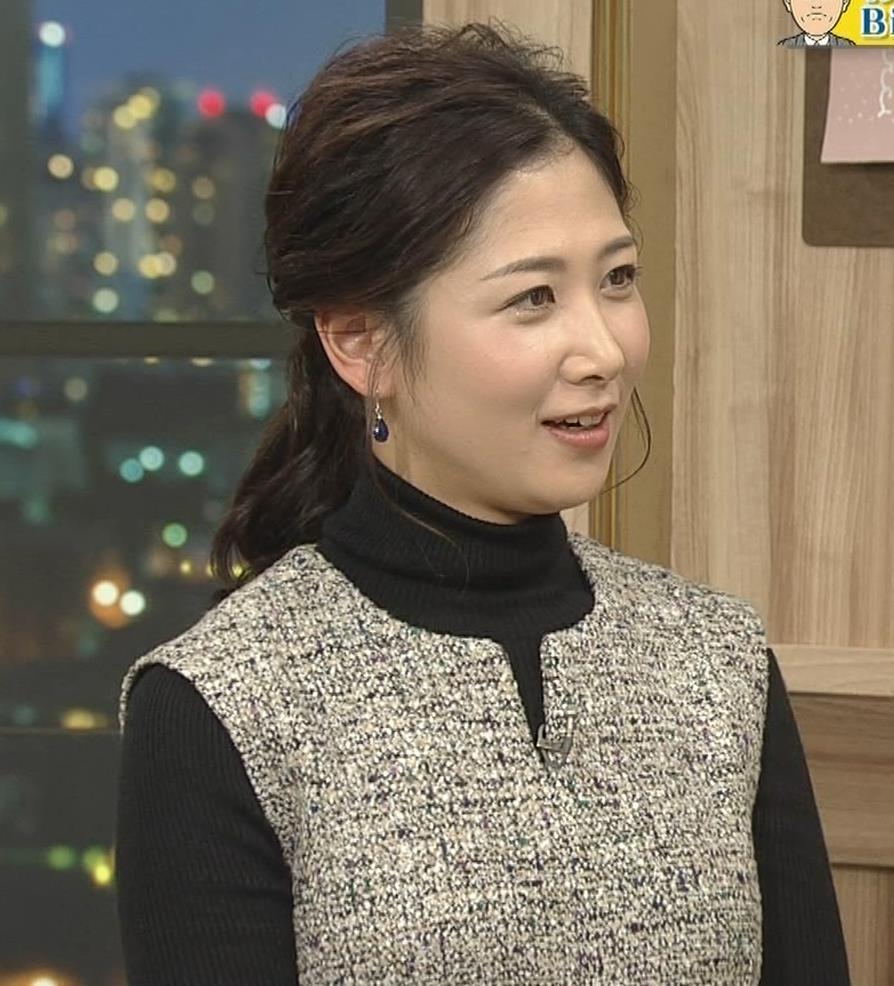 桑子真帆アナ 厚着でも胸の大きさがわかるキャプ・エロ画像6