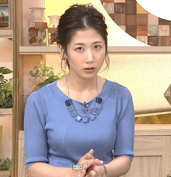 桑子真帆アナ 横から見るとやはりデカいキャプ・エロ画像3