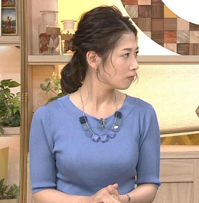 桑子真帆アナ 横から見るとやはりデカいキャプ・エロ画像4