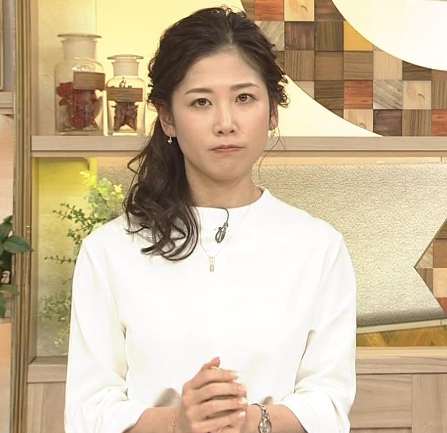 桑子真帆アナ 思いのほか乳でけぇキャプ・エロ画像2