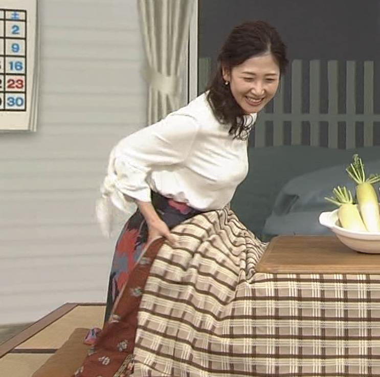 桑子真帆アナ 思いのほか乳でけぇキャプ・エロ画像5