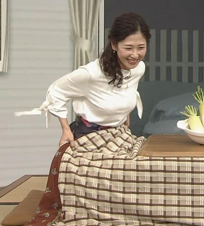 桑子真帆アナ 思いのほか乳でけぇキャプ・エロ画像6