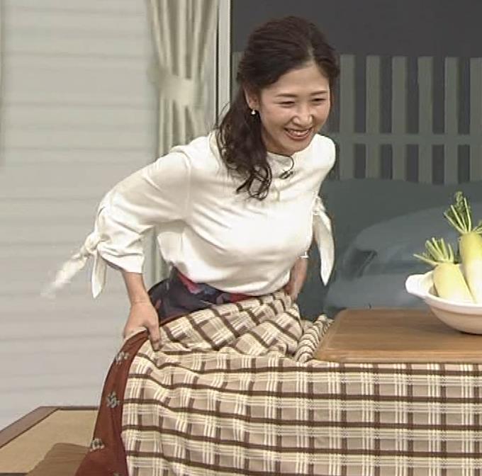 桑子真帆アナ 思いのほか乳でけぇキャプ・エロ画像7