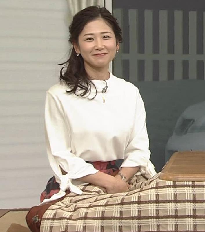 桑子真帆アナ 思いのほか乳でけぇキャプ・エロ画像8