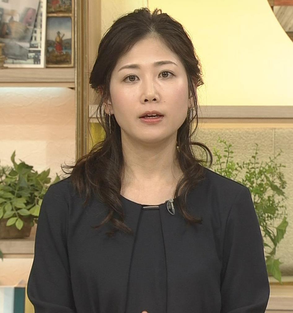 桑子真帆アナ 黒い服でも巨乳だとわかる横乳キャプ・エロ画像11