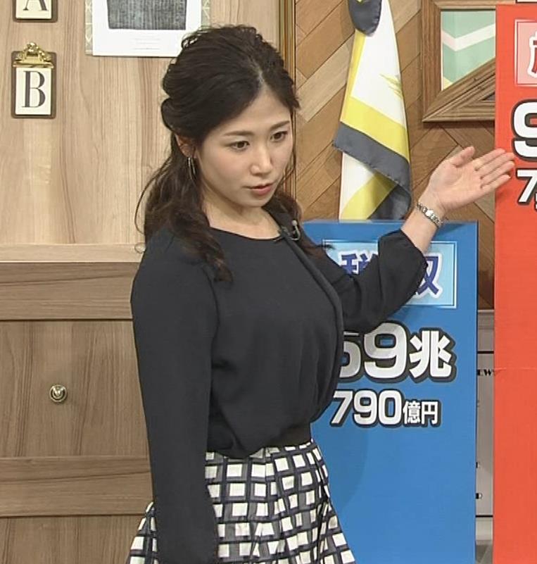 桑子真帆アナ 黒い服でも巨乳だとわかる横乳キャプ・エロ画像3
