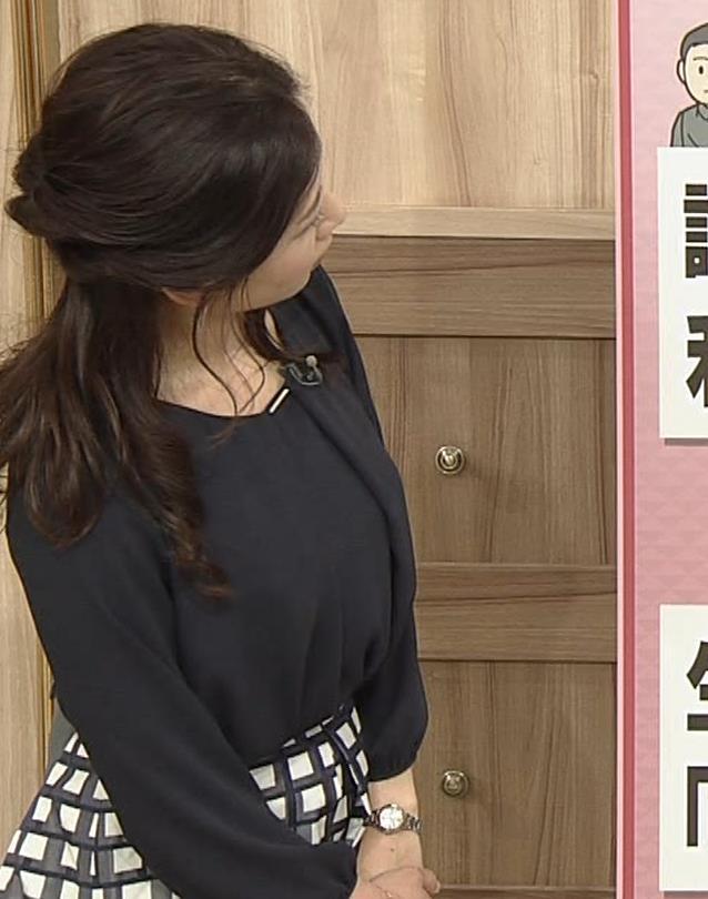 桑子真帆アナ 黒い服でも巨乳だとわかる横乳キャプ・エロ画像7