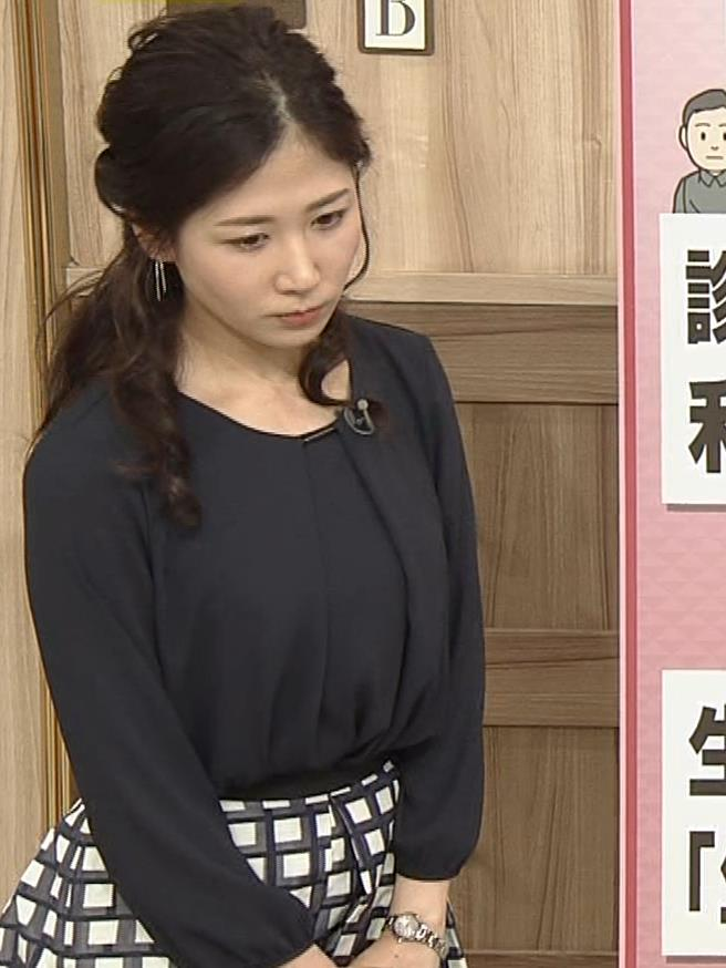 桑子真帆アナ 黒い服でも巨乳だとわかる横乳キャプ・エロ画像8
