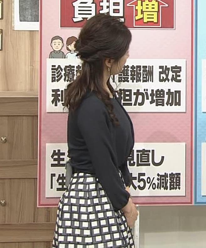 桑子真帆アナ 黒い服でも巨乳だとわかる横乳キャプ・エロ画像9