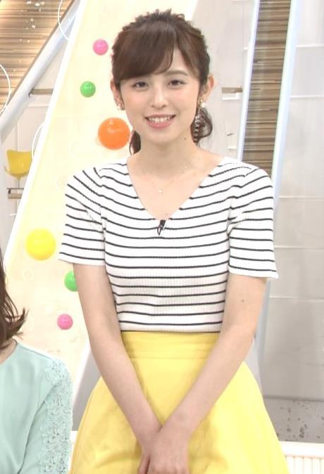 久慈暁子アナ 体のラインがでる薄手の横縞Tシャツキャプ・エロ画像7