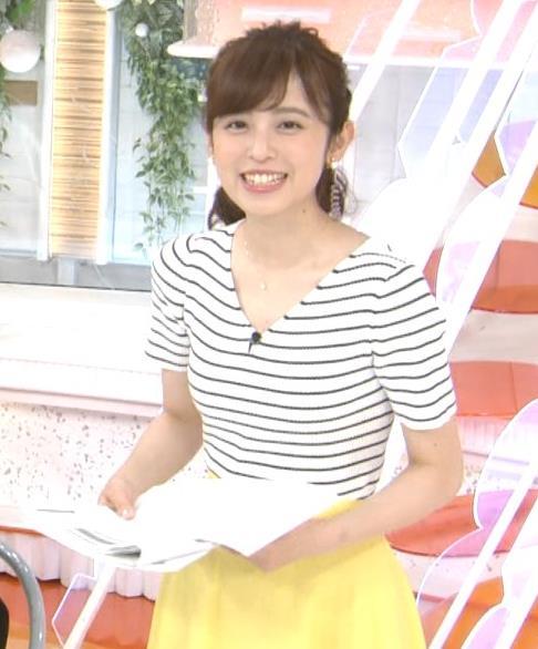 久慈暁子アナ 体のラインがでる薄手の横縞Tシャツキャプ・エロ画像8