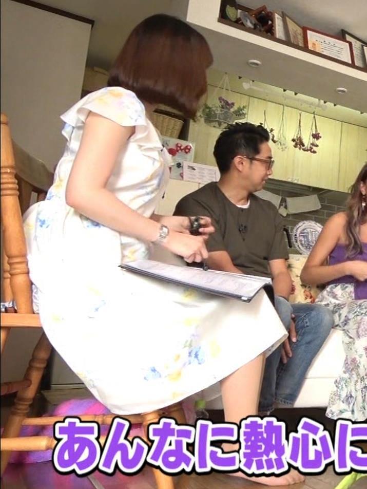 角谷暁子アナ 横乳&ちょいワキちら!かなり巨乳みたいですキャプ・エロ画像