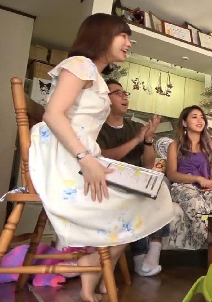 角谷暁子アナ 横乳&ちょいワキちら!かなり巨乳みたいですキャプ・エロ画像11